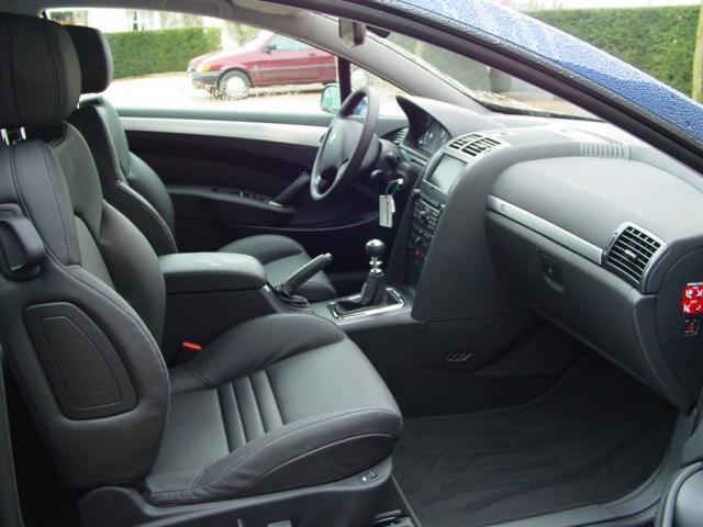 Intérieurs des Peugeot [407] coupé 2be04a2e23