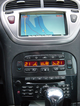 photo carte gps peugeot 607