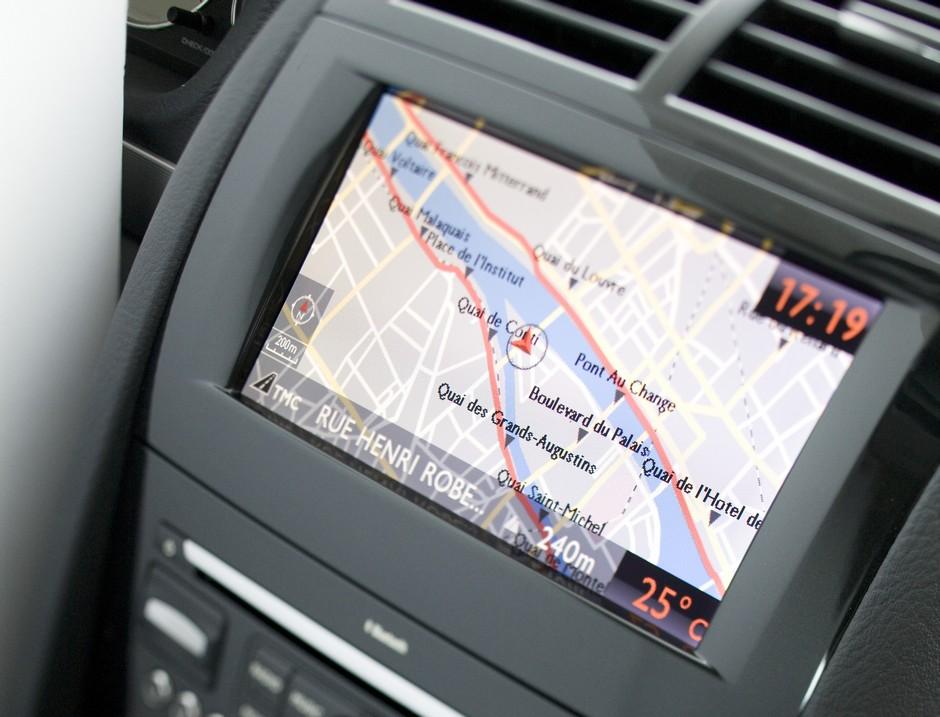 Photo officielle de l'écran du système de navigation