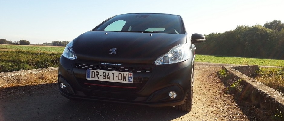 http://www.forum-peugeot.com/wp-content/gallery/essai-peugeot-208-gti-by-peugeot-sport-2016/WP_20161004_002.jpg?i=208146702