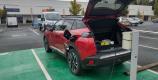 Peugeot e-2008 en charge sur borne public