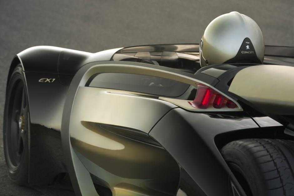 Photo officielle de la Peugeot EX1 (2010)