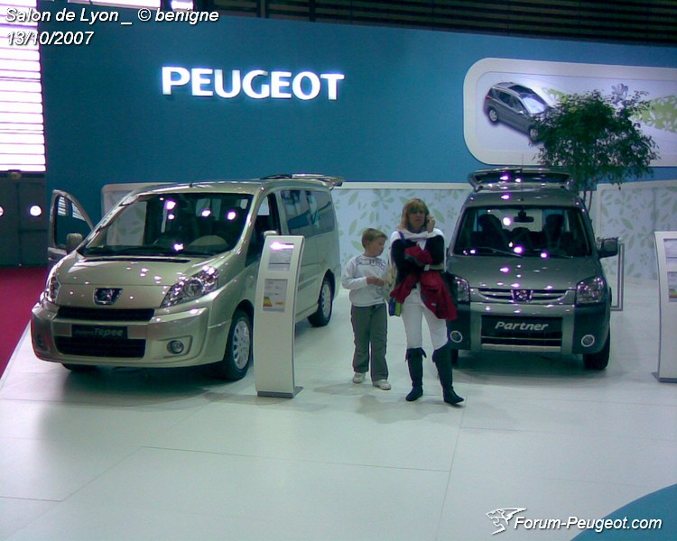 peugeot au salon automobile de lyon forum. Black Bedroom Furniture Sets. Home Design Ideas