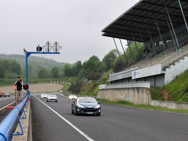 Rassemblement Peugeot RCZ circuit