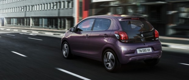 Le coloris Red Purple de la Peugeot 108