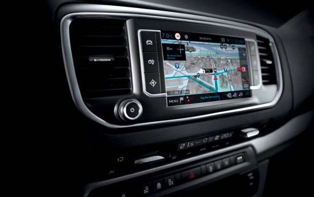 L'écran tactile du Peugeot Traveller