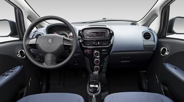 L'habitacle de la Peugeot iOn