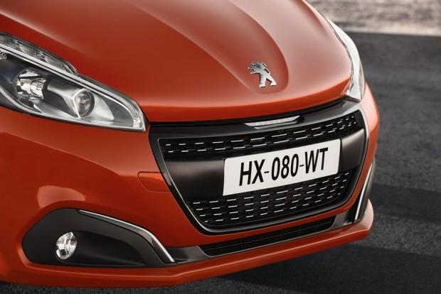 La nouvelle face avant de la Peugeot 208
