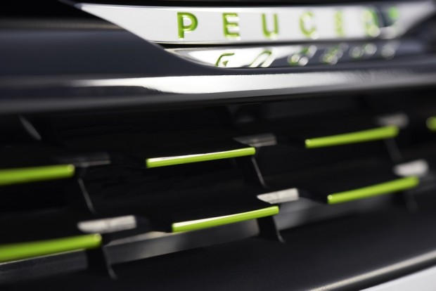 La calandre 3D Equalizer Lime Yellow de la Peugeot 208