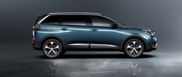 Le profil témoigne du caractère familial du Peugeot 5008