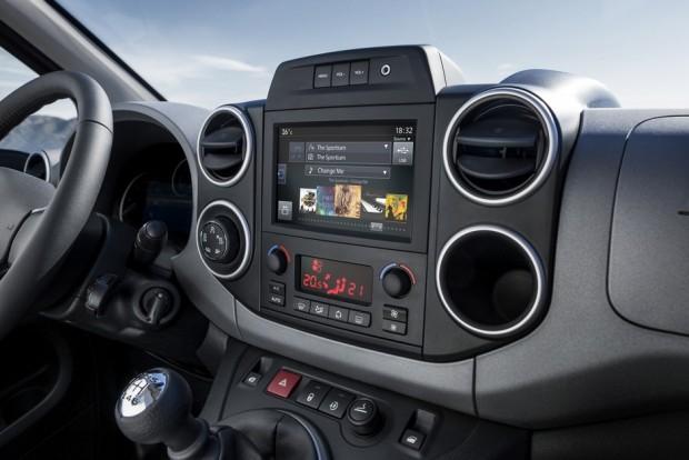 La console centrale du Peugeot Partner Tepee