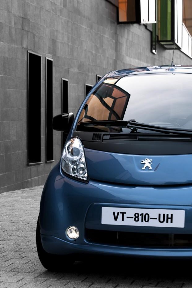 Peugeot iOn Bleu de Karner