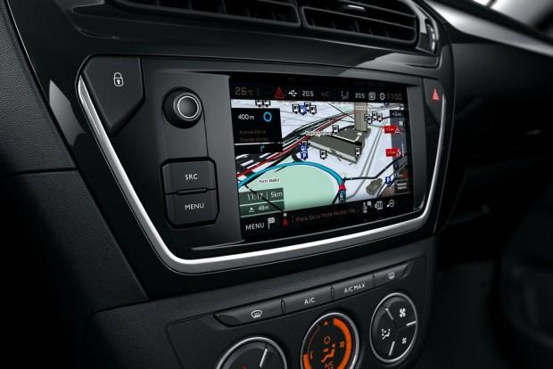 Un système de navigation connectée sur la Peugeot 301