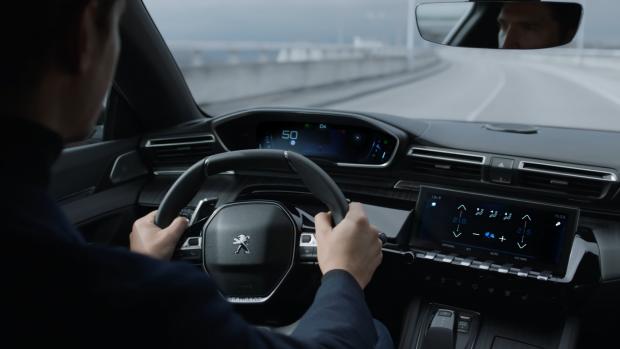 Le Peugeot i-Cockpit amplifie les sens