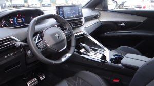 Nouveau Peugeot 5008 intérieur avec écran 10 pouces